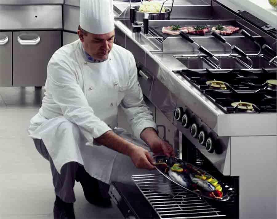 Bếp âu 4 họng có lò nướng