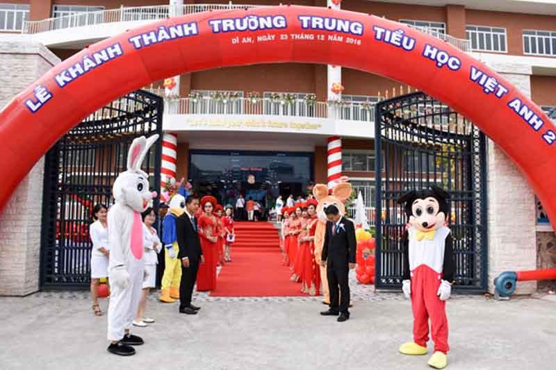 bếp căn tin trường Việt Anh