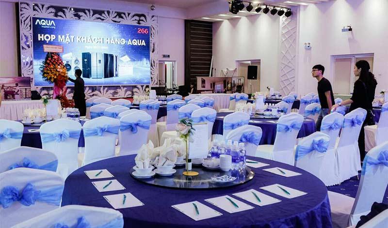 Tổ chức hội nghị trong nhà hàng Hoàng Lam