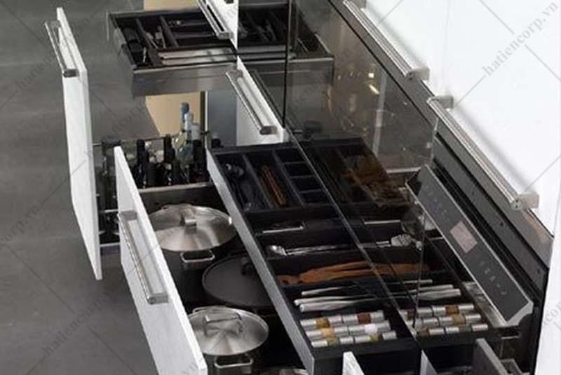 tủ đựng dụng cụ trong nhà bếp