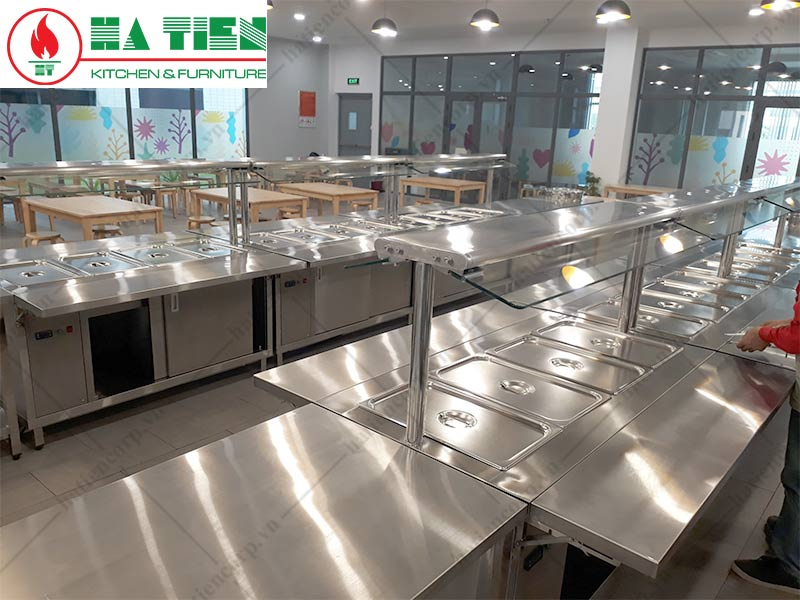 thiết kế bếp trường học: khu vực ra thức ăn
