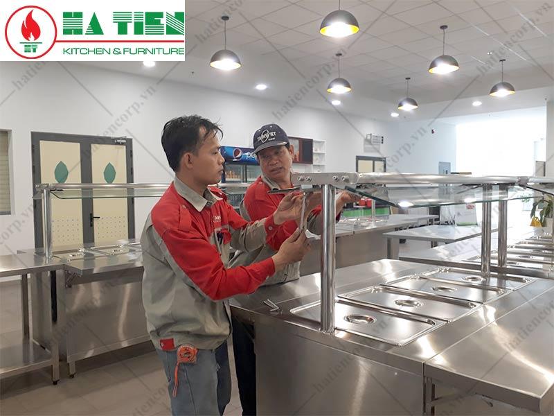 Lắp đặt thiết bị bếp trường học