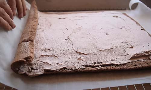 cuộn bánh khúc gỗ giáng sinh