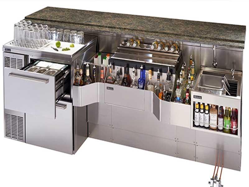 Quầy bar với đầy đủ các vật dụng