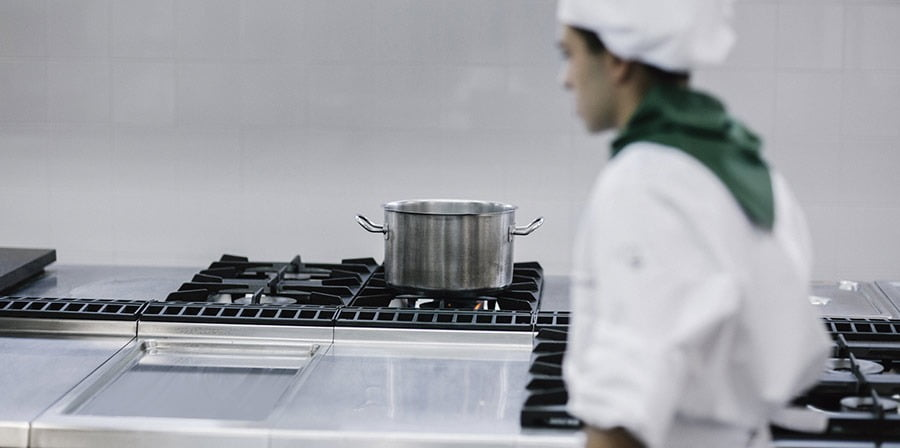 Mô hình bếp ăn công nghiệp an toàn với người dùng